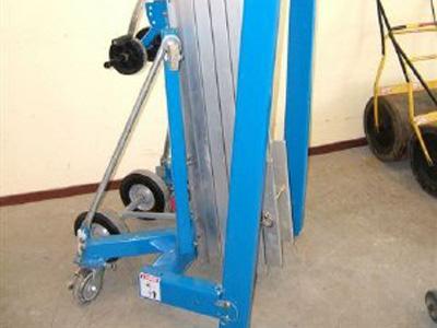 Hefvermogen 300 kg, hefhoogte 7,5 meter